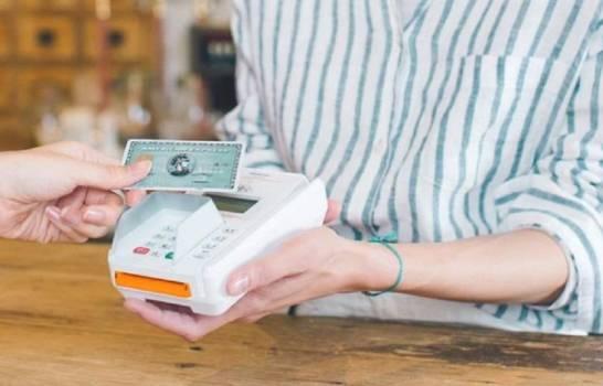 Beneficio de American Express cae 81 % en primer semestre por menor consumo