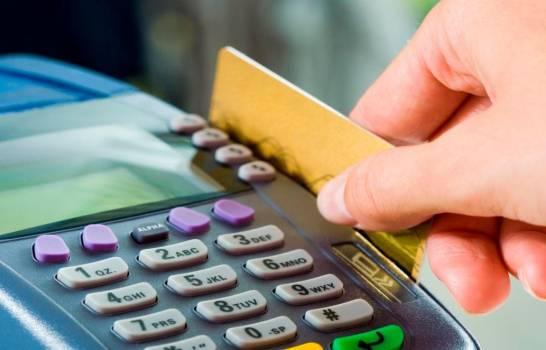 Consumos con tarjetas de débito comienzan a recuperarse