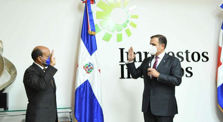 Posicionan Valdez nuevo Director General Impuestos Internos