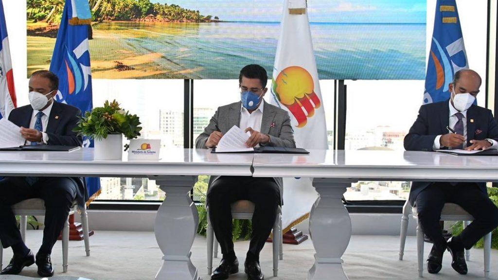 Turismo, Banreservas y Seguros Reservas inician Plan de Asistencia Turismo Seguro RD