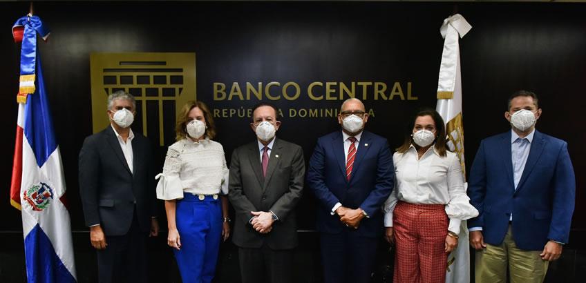 Gobernador Valdez Albizu inaugura Foro de Innovación del Banco Central