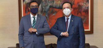 Valdez Albizu y el embajador de Reino Unido se reunieron para promover nuevas alianzas
