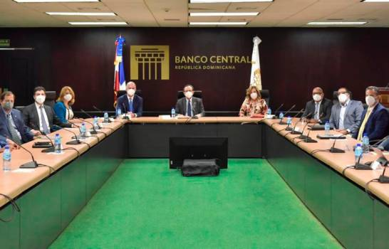 Banco Central evalúa medidas adicionales para profundizar el acceso al crédito
