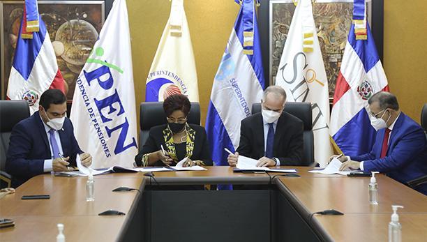 Superintendencias suscriben acuerdos interinstitucionales para la supervisión consolidada