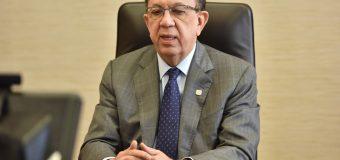 Valdez Albizu destaca la economía dominicana ante inversionistas extranjeros