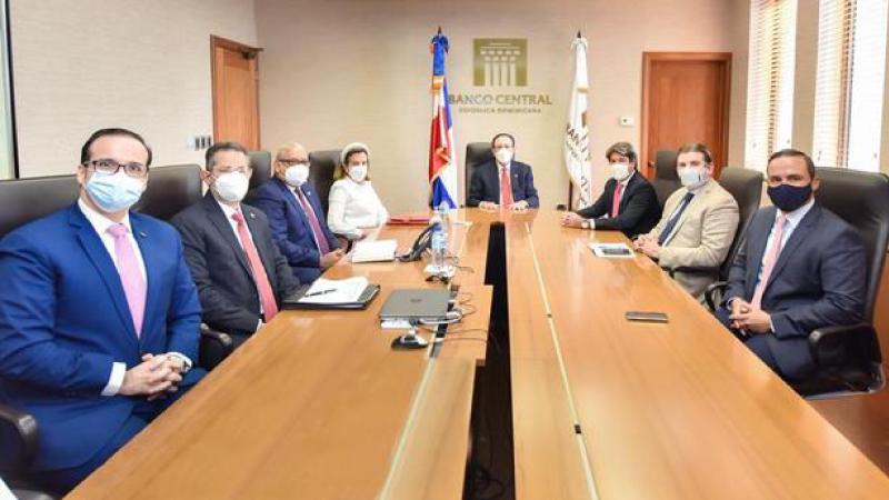 Banco Central y ASONAHORES pasan balance al sector turismo
