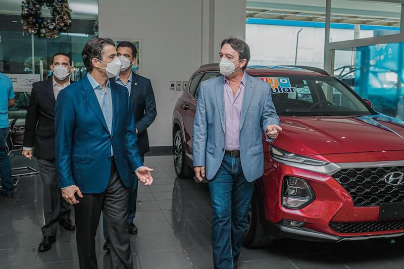 Presidente ejecutivo BPD visita concesionarios Autoferia Popular