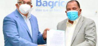 Banco Agrícola y el CEA firman acuerdo para apoyar colonos del ingenio Porvenir