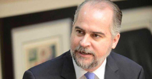 SIB instruye devolver RD$17 millones a clientes de bancos