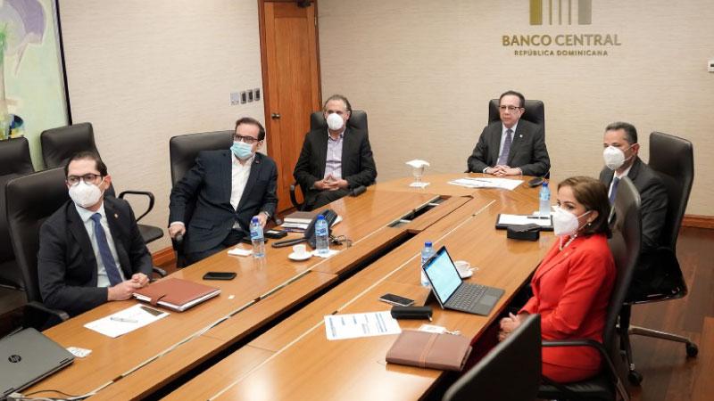 Valdez Albizu se reúne con funcionarios del Departamento del Hemisferio Occidental del FMI