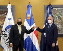 Superintendencia de Bancos y OGTIC firman acuerdo para fortalecer servicios de asistencia ciudadana