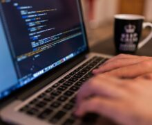 Condenan Caixabank indemnizar con 7500 euros por inclusión clienta en fichero morosos