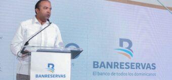 Aprueba Banreservas RD$6,000 millones producción arroz 2021-2022