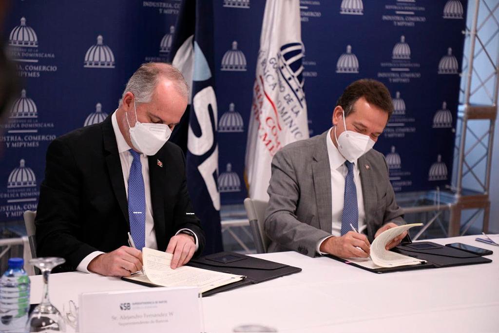 MICM y Superintendencia de Bancos establecen agenda común para apoyar a mipymes e industrias