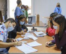 Banreservas inicia vacunación en once oficinas